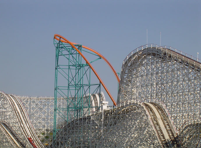 Colossus photo from Six Flags Magic Mountain
