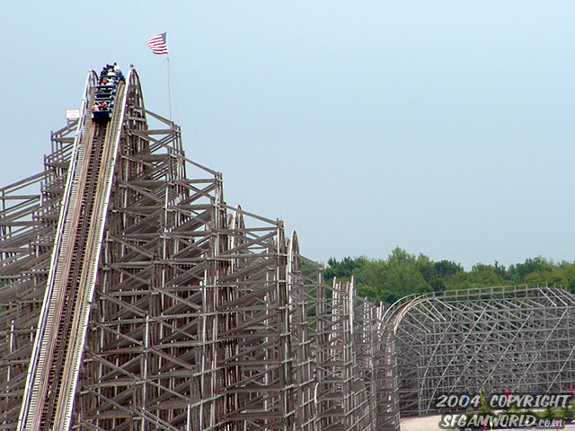 Shivering Timbers photo from Michigan's Adventure