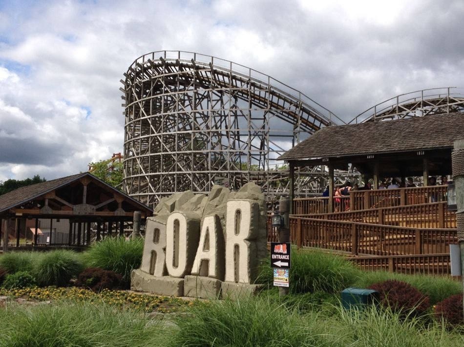Roar photo from Six Flags America