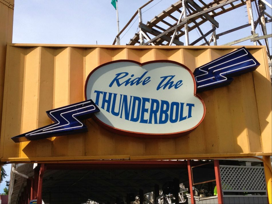 Thunderbolt photo from Six Flags New England